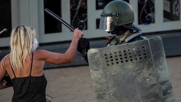 До трех лет тюрьмы. В Беларуси открыли уголовное дело за оскорбление милиции в соцсетях