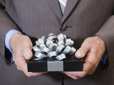 Как выбрать лучший подарок другу?