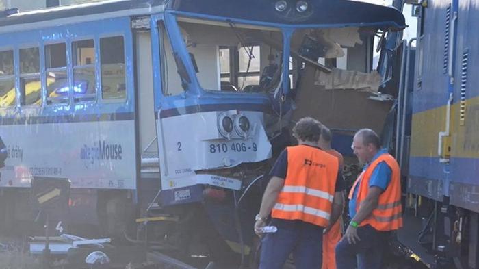 В Чехии столкнулись поезда: 20 пострадавших (видео)