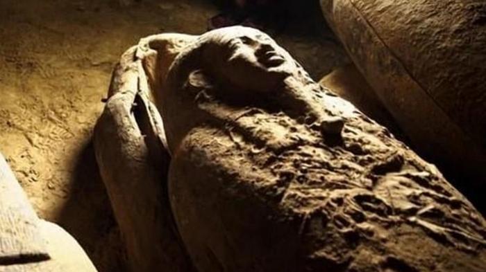 В Египте нашли уникальные гробы возрастом 2500 лет (фото)
