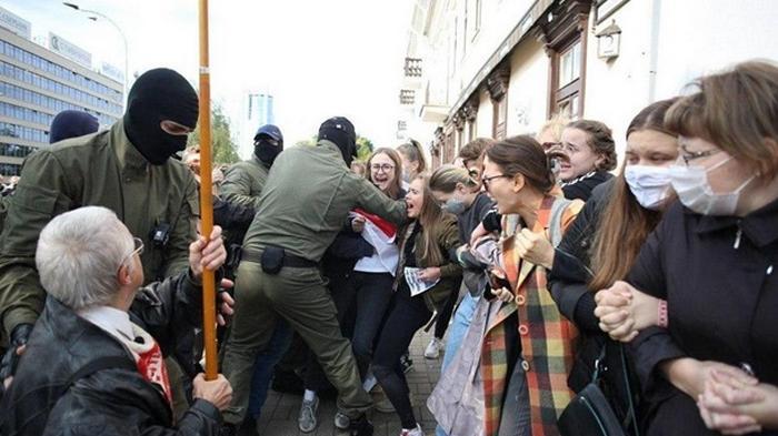 Акция протеста в Минске собрала 10 тысяч человек