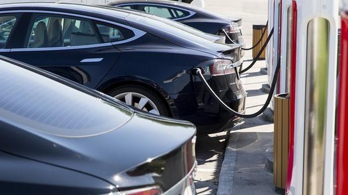 Кабмин поддержал развитие электромобильности. Что в новом законопроекте