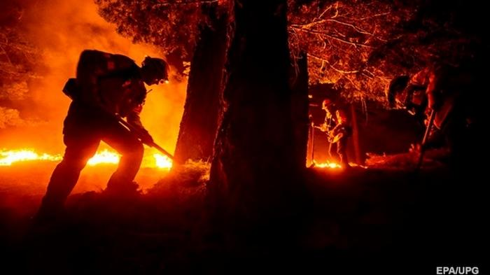 Жертвами пожаров в США стали около 30 человек