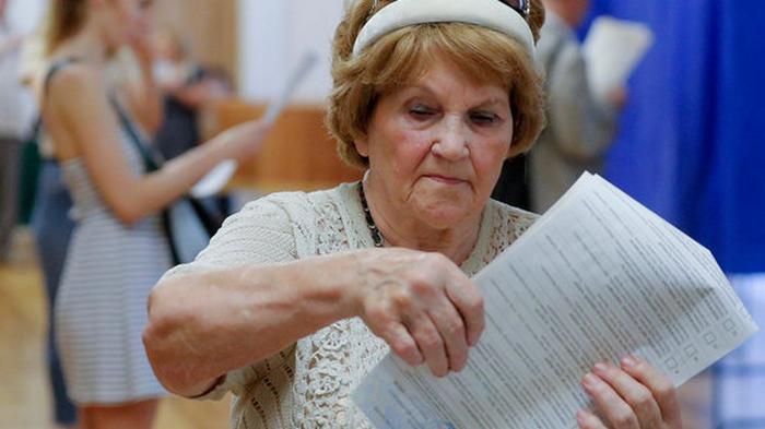 Кабмин утвердил карантинные правила поведения на выборах