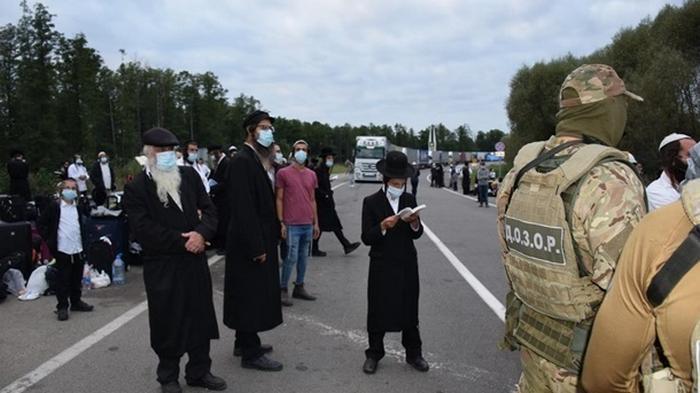 Кабмин закрыл участок границы из-за хасидов