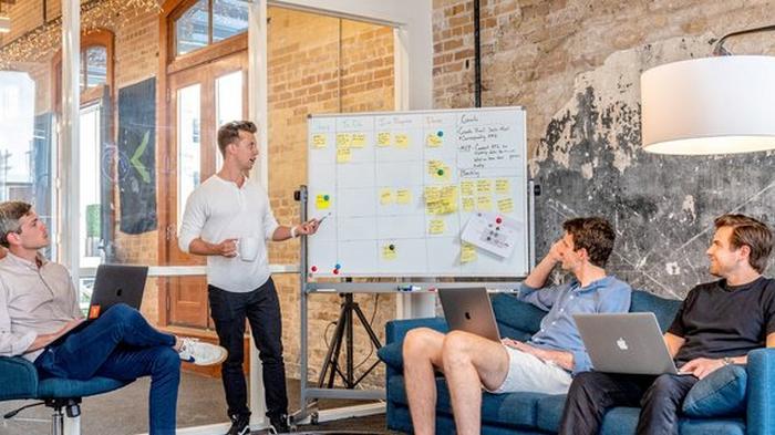Государство даст денег трем начинающим стартапам. Кто получит по $50 000