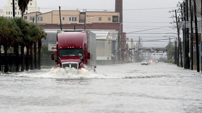Техас накрыл тропический шторм Бета