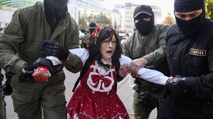 В Минске задержали более трех сотен митингующих