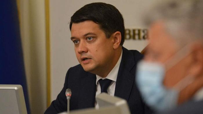 Разумков заявил о претензиях к двум министрам