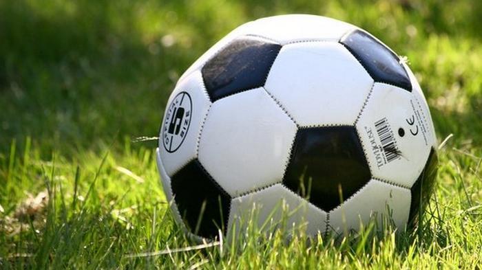 УЕФА решил пустить болельщиков на матчи – не больше трети мест на стадионе