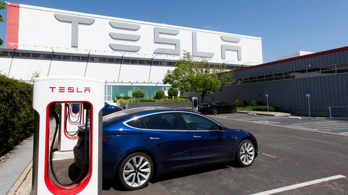 Tesla выйдет на крупнейший в мире рынок в 2021 году