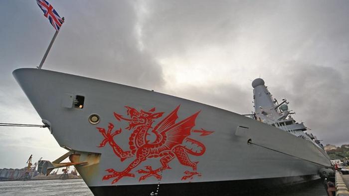 В порт Одессы зашел британский эсминец Dragon (фото)