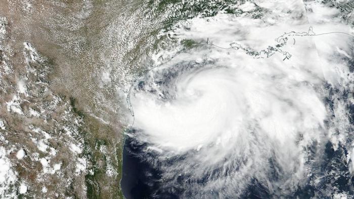 Обесточенные дома и 40 000 эвакуированных. На Юкатан обрушился ураган ...