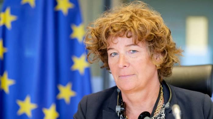 Новый вице-премьер Бельгии: впервые в ЕС им стала трансгендер-женщина