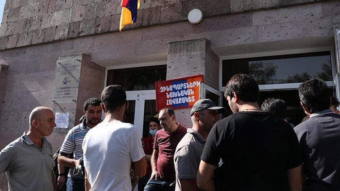В Армении запретили критиковать власть страны