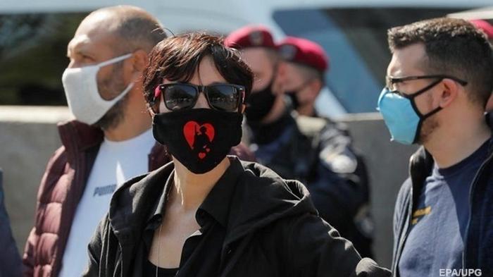 Число заболевших в Украине превысило 300 тысяч