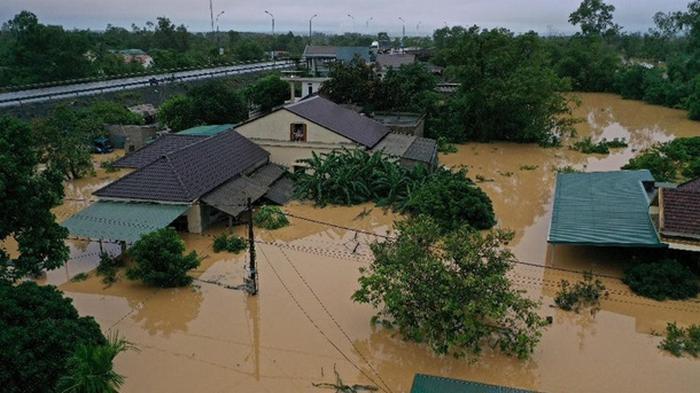 Вьетнам пострадал от наводнения (видео)