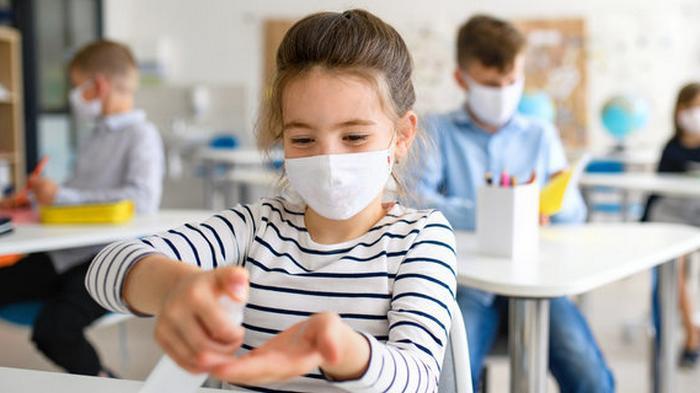Открытое окно сильно уменьшает риск заразиться коронавирусом в помещен...