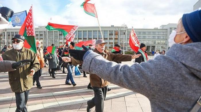 В Минске встретились два противоположных митинга (видео)