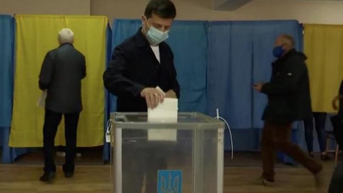 Зеленский проголосовал на местных выборах