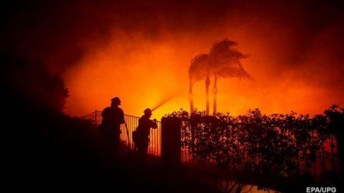 Пожары в Калифорнии: эвакуированы более 100 тысяч человек
