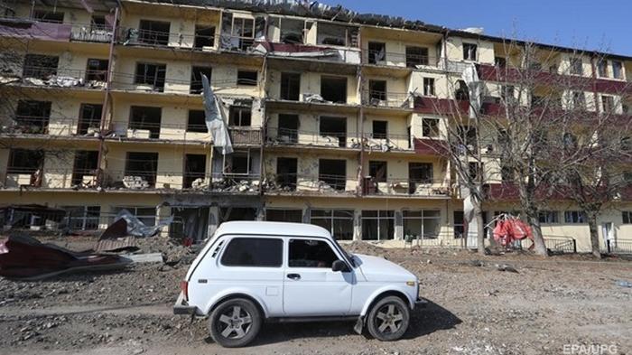 Баку и Ереван договорились не вести огонь по мирному населению