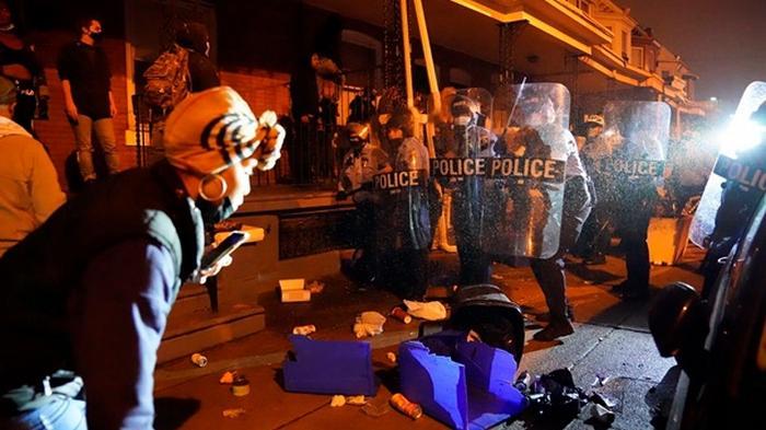 В Филадельфии погромы, жителей призывают не выходить из домов
