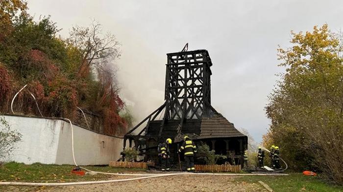 В Праге восстановят сгоревшую украинскую церковь