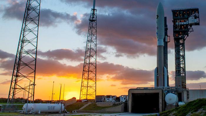 Спутник Всевластья: Что-то неизвестное запускают на орбиту для военных США (видео)