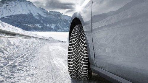 Что учесть при выборе зимних шин для максимальной эффективности в период гололеда и низких температур?