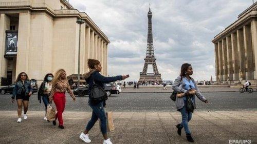 Во Франции более 52 тысяч новых заражений COVID-19 за день