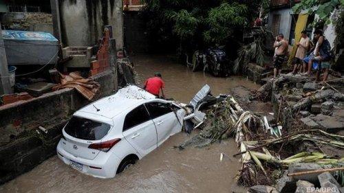 Бразилию накрыло мощное наводнение (видео)