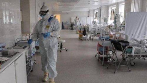 Больные COVID-19 занимают 85% мест в реанимациях во Франции