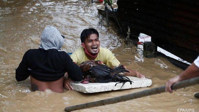 На Филиппины обрушился тайфун Vamco (фото)