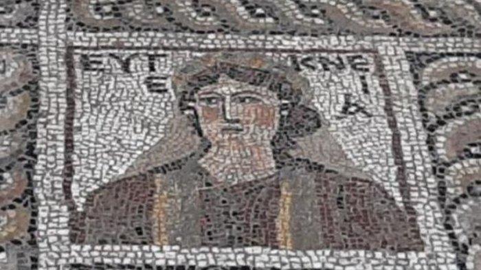 Турецкая Мона Лиза: археологи обнаружили древнюю фреску