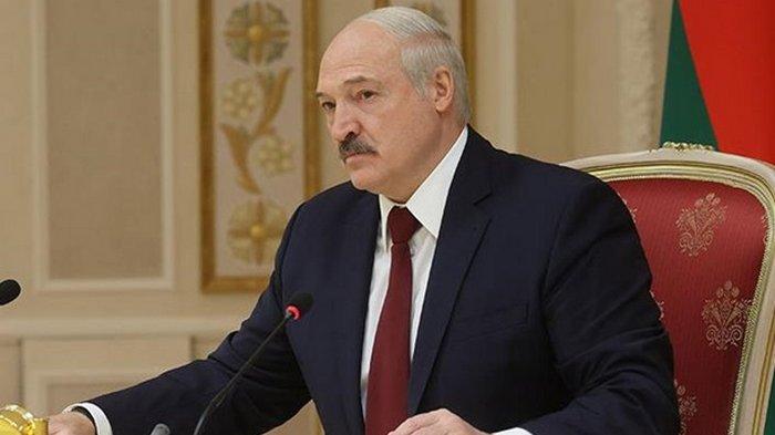Лукашенко пригрозил Украине санкциями