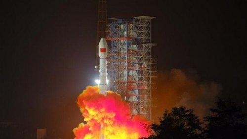 Китай вывел на орбиту спутник мобильной связи