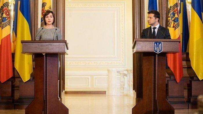 Зеленский поздравил лидера президентской гонки в Молдове