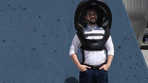 В Канаде начались продажи антиковидных шлемов (фото)