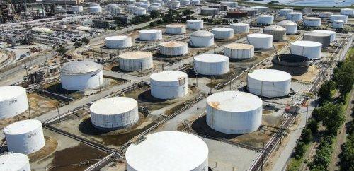 Цены на нефть растут. С чем связан оптимизм на рынке
