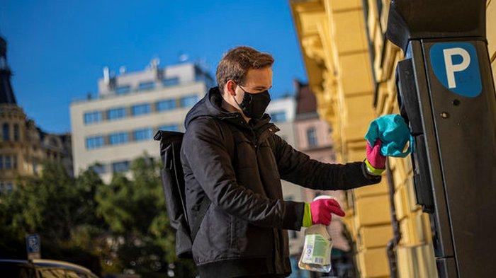 Локдаун в Чехии продлили, несмотря на уменьшение числа заболевших