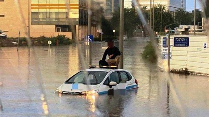 Сильнейшие дожди вызвали наводнения в Израиле (видео)