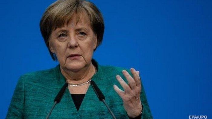 Меркель отказалась ослабить локдаун на зимние праздники