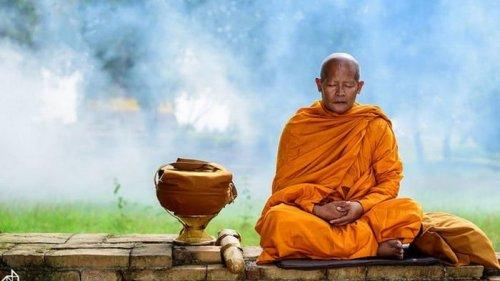Правила питания тайских монахов