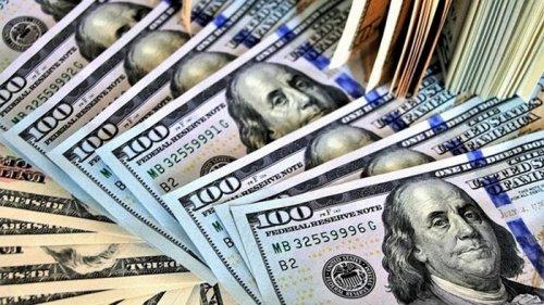 Впервые с начала года: украинцы в ноябре купили валюты больше, чем продали
