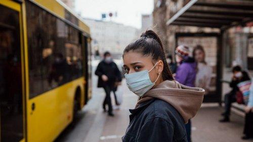 ВОЗ дала украинцам новые рекомендации по маскам