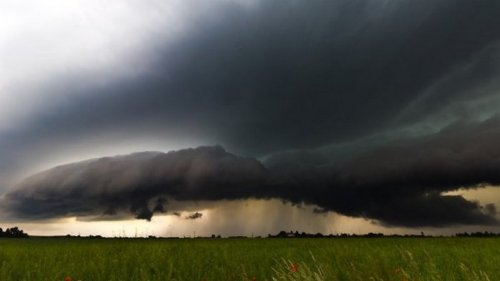 Китай заявил о расширении программы по управлению погодой. В Индии и Т...