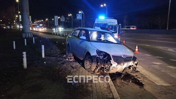 В Киеве водитель такси умер за рулем