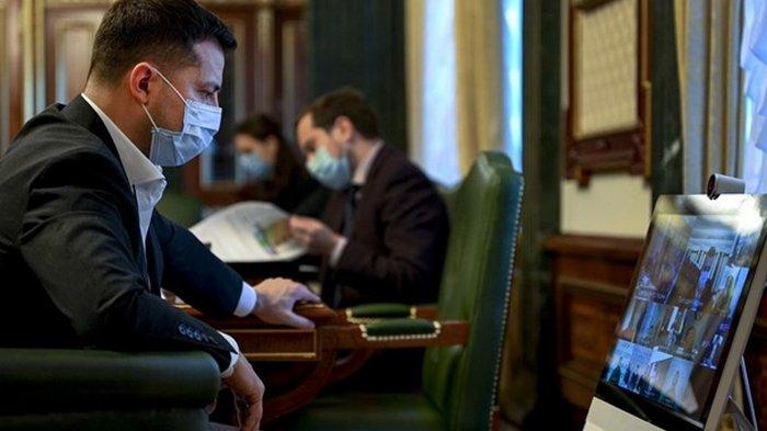 Зеленский поручил подготовить алгоритм вакцинации