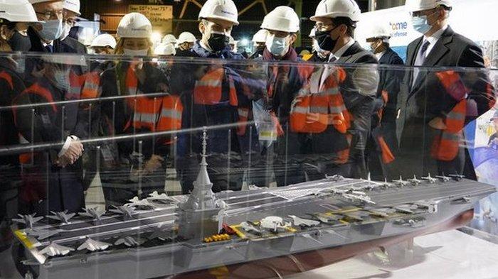 Франция построит атомный авианосец – Макрон